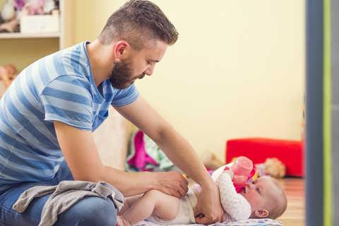 Pai: veja dicas de como criar vínculos com o bebê | Blog Infanti