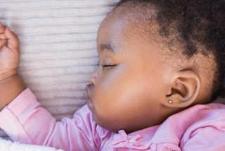 Sono do bebê: os perigos da exaustão | Blog Infanti